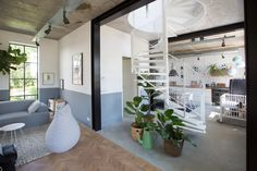 Nieuwbouw woning Strijp R door Broeren|Das bouwbedrijf. Living room