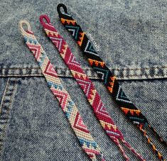 String Bracelet Patterns, Diy Bracelets Patterns, Thread Bracelets, Embroidery Bracelets, Bracelet Designs, String Bracelets, Homemade Bracelets, Diy Bracelets Easy, Summer Bracelets