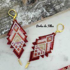 Boucles d'oreilles triangle géométriques tissage perles
