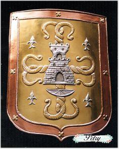Escudo heráldico estaño, latón y cobre. www.petry.es