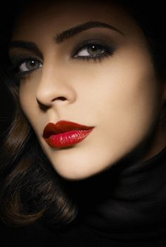 Lipstick shades vary from brand to brand and vary for every skin shade and lip type. From sexy nudes to hot red, lip shades dramatically change the face. Skin Shades, Lipstick Shades, Makeup Lipstick, Lipsticks, Beauty Tips For Women, Beauty Guide, Beauty Hacks, Makes You Beautiful, Beautiful Lips