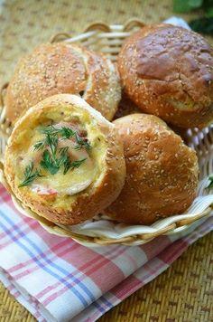 Фото к рецепту: Фаршированные булочки для пикника