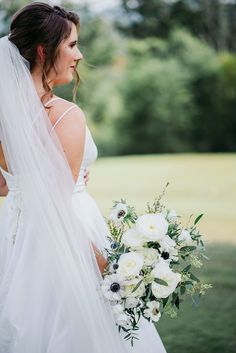 Boho Meets Modern in this North Georgia White Barn Wedding | The Perfect Palette Wedding Bouquets, Wedding Dresses, White Barn, Georgia, Palette, Boho, Modern, Fashion, Bride Dresses