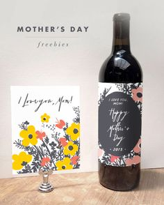 Add a personal label to a wine bottle. / 18 Thoughtful Mothers Day Gifts That Wont Cost Anything Diy Gifts For Mothers, Mothers Day Crafts, Happy Mothers Day, Mother Gifts, Mother's Day Printables, Idee Diy, Mom Day, Mother's Day Diy, Lettering