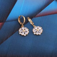 18K Gold Plated Fashion Shining Round Shape Inlaid White Zircon Ladies Girls Copper Drop Earrings