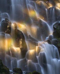 kilsoquah:    Rainbow Falls  By: Marc Adamus | View Full Portfolio (295 images)