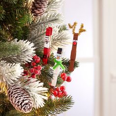 Craft some Christmas tree friends to treasure for the holiday season. #MakingClothesFromOldClothes Easy Christmas Ornaments, Christmas Crafts For Kids To Make, Simple Christmas, Kids Christmas, Handmade Christmas, Holiday Crafts, Christmas Decorations, Homemade Ornaments, Holiday Ideas