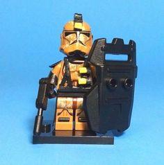 Lego Star Wars Custom Clone Trooper Geonosian Security Clone Free Display Case | eBay Lego Ww2, Lego Army, Lego Military, Lego Custom Minifigures, Star Wars Minifigures, Star Wars Clone Wars, Lego Star Wars, Lego Droid, Lego Guys