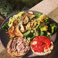 ❝Post yoga lunch :) Home made pecan  nut spread with rice cakes and salad. Really good!❞