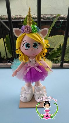Unicorn Birthday Parties, Unicorn Party, Foam Crafts, Diy And Crafts, Box Surprise, Doll Face Paint, Unicorn Pictures, Soft Dolls, Christmas Baby