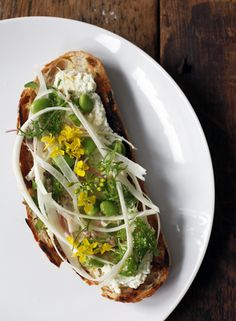 White Asparagus Bruschetta - Recipes - The Jewels of New York