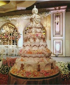 Huge Wedding Cakes, Yummy Cakes, Beautiful Cakes, Weddings, Gingerbread  Houses, Beast, Logs, Casamento, Pastry Art