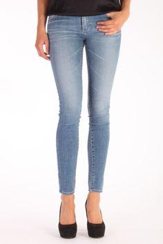 Adriano Goldschmied The Legging 18 years Heart Breaker. Deze 10 oz. Revival Power Stretch Denim is gemaakt van 98% katoen en 2% polyurethane.  De jeans heeft een ritssluiting. Artikelnummer: REV1288 18Y HTB Adriano Goldschmied, Super Skinny Jeans, Pants, Fashion, Trouser Pants, Moda, Fashion Styles, Women's Pants, Women Pants