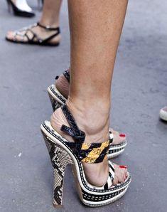 "fashionwanderlust: "" MFW Street Style: Shoes outside Jil Sander "" Hot Heels, Sexy High Heels, High Heels Stilettos, Street Style Shoes, Beautiful High Heels, Killer Heels, Platform High Heels, Swagg, Me Too Shoes"