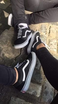 (c) lika Vans❣ Relationship Goals Pictures, Cute Relationships, Tumblr Photography, Couple Photography, Cute Couples Goals, Couple Goals, Girls Foto, Tumblr Couples, Photo Couple