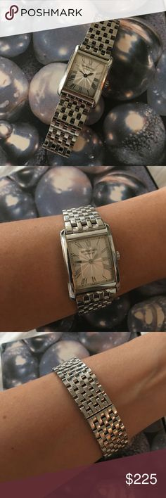Raymond Weil Watch for woman Beautiful Raymond Weil Watch vintage. Good time keeping. Stainless steel. Normal wear, scratches to body and bezel, as well as aging in face. Swiss made. ⌚️✨ Raymond Weil Accessories Watches