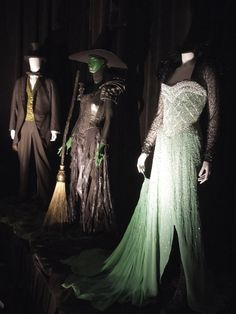 Oz The Great and Powerful movie costumes