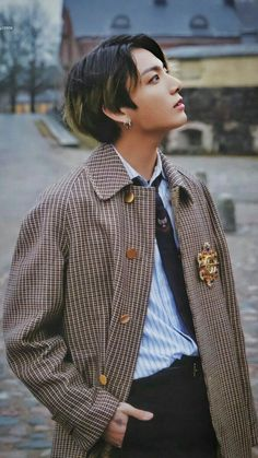 Image uploaded by ɢᴏʟᴅᴇɴ ɪᴅᴏʟ⁷. Find images and videos about kpop, bts and jungkook on We Heart It - the app to get lost in what you love. Foto Jungkook, Foto Bts, Jungkook Cute, Bts Bangtan Boy, Yoongi Bts, Jung Kook, Taehyung, Busan, Kpop