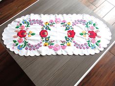 Traditional Kalocsa Embroidery Runner - Vintage Hungarian Folk Tablecloth - Home Decor Hungarian Embroidery, Hand Embroidery, Wooden Dough Bowl, Cottage Chic, Journal Ideas, Hungary, Doilies, Etsy Vintage, Folk Art