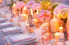This tablelandscape makes you want to fall in love again! a toast to the bride and groom  so #romantic table #weddingtablelandscape #pastel wedding decor