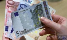 ثقة المستهلكين في منطقة اليورو تتراجع الشهر الجاري: قالت المفوضية الأوروبية الخميس إن ثقة المستهلكين في منطقة اليورو هبطت على غير المتوقع…