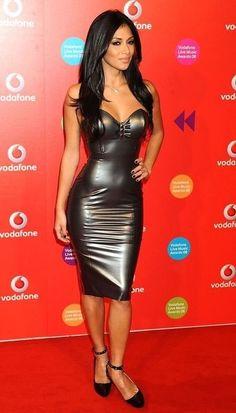 Nicole Scherzinger in a metallic Rubber Latex dress ! Nicole Scherzinger, Gorgeous Women, Beautiful People, Mode Latex, Looks Pinterest, Latex Dress, Sexy Latex, Latex Girls, Leather Dresses