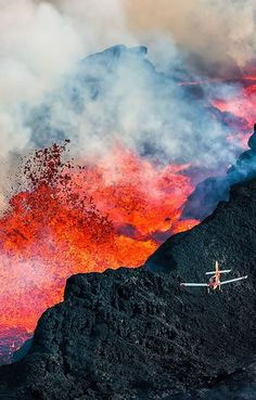 white-hot beauty of Iceland in 11 stunning photos The Holuhraun volcano, Iceland.The Holuhraun volcano, Iceland. Volcan Eruption, Erupting Volcano, Lava Flow, Iceland Travel, Natural Phenomena, Landscape Photography, Scenic Photography, Night Photography, Landscape Photos