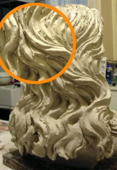 Mini-cours de sculpture : sculpter de beaux cheveux en argile
