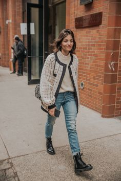 The Very Best Street Style Looks From New York Fashion Week .- The Very Best Street Style Looks From New York Fashion Week 2019 – The Very Best Street Style Looks From New York Fashion Week 2019 – - Seoul Fashion, New York Fashion, Fashion Casual, Estilo Fashion, Look Fashion, Womens Fashion, Fashion Fall, Fashion Night, Fashion Weeks
