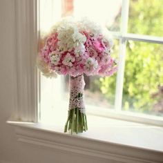 this bouquet would be reallly cool for a backyard wedding <3