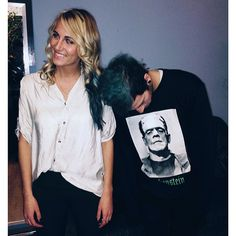 OH MAN THIS IS MY FAVORITE PHOTO RN, ITS SO CUTE THAT JOSH IS SO COMFORTABLE AROUND JENNA