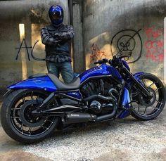 Motorcycles bikers and more Harley-Davidson V-Rod . Harley Davidson Night Rod, Harley Davidson Street Glide, Harley Davidson Custom Bike, Harley Davidson Merchandise, Harley Davidson Pictures, Motos Harley Davidson, Vrod Custom, Moto Custom, Custom Harleys