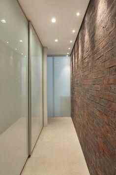 Closets corredor - veja modelos e dicas para espaços estreitos! - Decor Salteado - Blog de Decoração e Arquitetura
