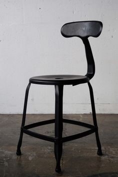 Press formed chair - black -