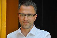 Thomas Enger (Oslo, 21 november 1973) is een Noors journalist en schrijver.Hij debuteerde met het populaire en goed gerecenseerde boek Skinndød (Schijndood). Dat boek werd genomineerd voor de eDunnit Award 2012 voor beste misdaad-e-book, uitgeloofd door CrimeFest, een Britse misdaadromanconventie.[ Het is het eerste deel uit een vijfdelige reeks over Henning Juul. De vertaalrechten van de serie zijn aan 17 landen verkocht.