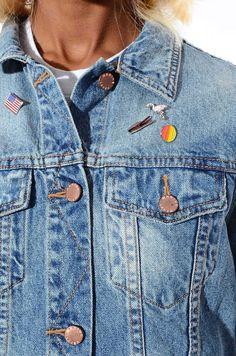 NWT Marine Layer 1970s Vintage Style Denim Penny Jean Jacket Hippie Trucker Boho M | eBay Vintage Style, Vintage Fashion, Boyfriend Blazer, Sweater Layering, Love Jeans, Yellow Sweater, Jean Skirt, Skirt Suit, Jean Jackets