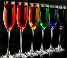 For the adults these could be done with different flavored cruisers for the kids, different flavored lemonade Dieta Paleo, Color Splash, Color Pop, Taste The Rainbow, Over The Rainbow, World Of Color, Color Of Life, Rainbow Drinks, Colorful Drinks
