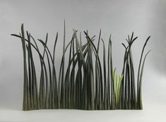 Alberto Bustos Creates Delicate Grass Sculptures Made of Ceramic | iGNANT.de