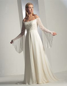 Fashion week A look classic with renaissance wedding dresses for girls