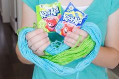 11 Mind-Blowing Ways to Use Kool-Aid - The Krazy Coupon Lady House Cleaning Tips, Diy Cleaning Products, Cleaning Hacks, Household Products, Household Tips, Gentle Baby, Spice Containers, How To Remove Rust, Simple Life Hacks