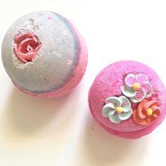 How lush do these bath bombs look?  smooooooooth Gweni  . . . . . . #beautyblogger #bbloggers #thegirlgang #ukbloggers #makeup #mua #makeuplover #beauty #makeupaddict #bloggerswanted #blog #bblogger #like #instabeauty #instadaily #instamakeup #fotd #htblogger #makeupblogger #lushbathbomb #bathbomb #lush #lushcosmetics #sexbomb #thinkpink