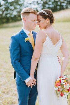 Lebensfrohe Sommerhochzeit auf dem Weingut Holler @Thomas Steibl Photography  http://www.hochzeitswahn.de/inspirationen/lebensfrohe-sommerhochzeit-auf-dem-weingut-holler/ #wedding #mariage #couple