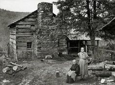 Two of the Walker sisters beside Walker Cabin in Great Smoky Mountains. (Thanks for the info Jerry Adams). Photo shared From: The Last of the Granny Witches ~ Appalachian Ink ~ Home of Anna Wess, Writer & Ghost Chaser. Vintage Pictures, Old Pictures, Old Photos, Fotografia Retro, Westerns, Old Cabins, Rustic Cabins, Appalachian Mountains, Appalachian People
