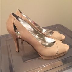 Alfani platform pumps: size 10, color nude Never worn Alfani platform pumps in size 10, medium width, color nude. Has a 4 inch heel. Open toed. Mix of high gloss plastic and slightly patterned suede on the heel Alfani Shoes Platforms