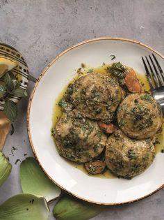Αγκινάρες με σκόρδο και μυρωδικά - www.olivemagazine.gr #αγκινάρες #olivemagazinegr Sprouts, Vegetables, Food, Essen, Vegetable Recipes, Meals, Yemek, Veggies, Eten