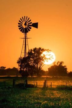 Simple Tips About Solar Energy To Help You Better Understand. Solar energy is something that has gained great traction of late. Both commercial and residential properties find solar energy helps them cut electricity c Farm Windmill, Old Windmills, Advantages Of Solar Energy, Country Scenes, Old Barns, Le Moulin, Mellow Yellow, Best Photographers, Farm Life