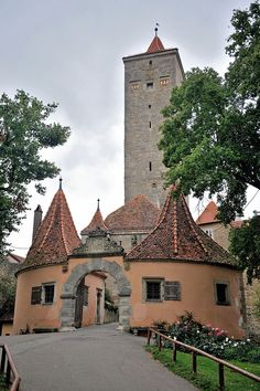 Castle Rothenburg, Germany people here are great but remember when it raines here it is hard to walk on the cobbles So true. Cobbles can be very slippery. Medieval Tower, Medieval Castle, Monuments, Wonderful Places, Beautiful Places, Places Around The World, Around The Worlds, Chateau Moyen Age, Rothenburg Germany