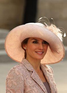Love CP Princess Letizia's hat.