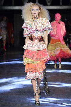 Manish Arora Spring 2016 Ready-to-Wear Collection Photos - Vogue