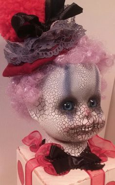 Scary Dolls, Creepy Stuff, Doll Head, Horror Art, Tim Burton, Clowns, Zombies, Halloween Crafts, Dark Side